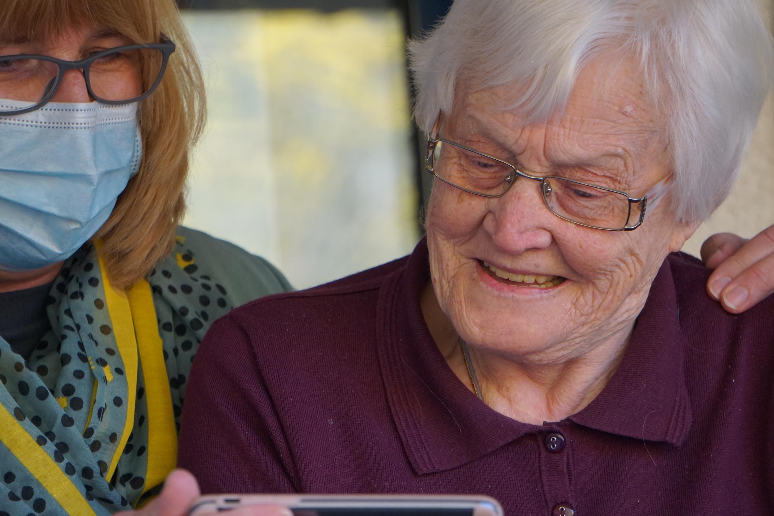 24/7 Live-in Caregivers